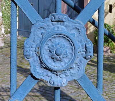 Viel Gestaltungsspielraum für Zaun und Tor