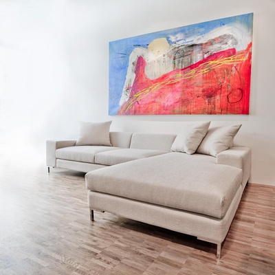 Dekorieren der Wohnung mit Leinwandbildern