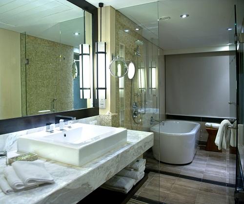 Badezimmer heute: die freundlichen Enkel von Plumpsklo und Co.