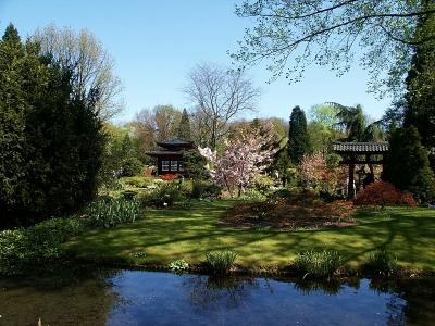 Leverkusen: moderne Architektur, Naturerlebnispfade und ein japanischer Garten