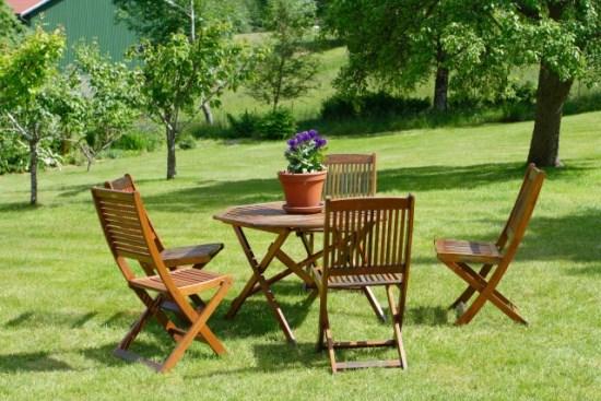Öko-Test hat 17 Gartenmöbel getestet