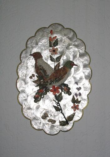 Bild mit bunten Vögeln auf Perlmut