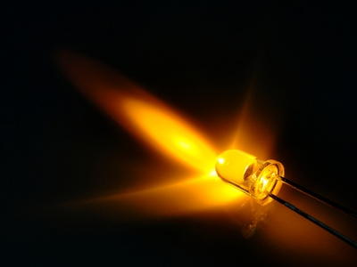 Light from a yellow LED © cidris - Fotolia.com