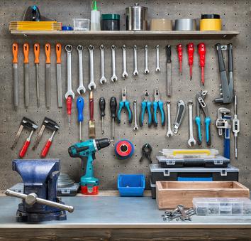 """Bild1: """"Heimwerken nur mit dem richtigen Werkzeug"""""""