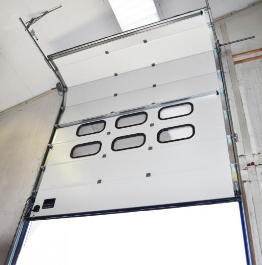 Industrietore – zuverlässige und energieeffiziente Sektionaltore