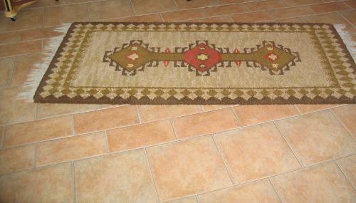 Bild 3: Bodenbelag mit italienischen Fliesen
