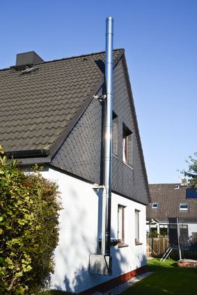 Der Edelstahlschornstein, ideal für den nachträglichen Einbau Bild: © Marco2811 - Fotolia.com