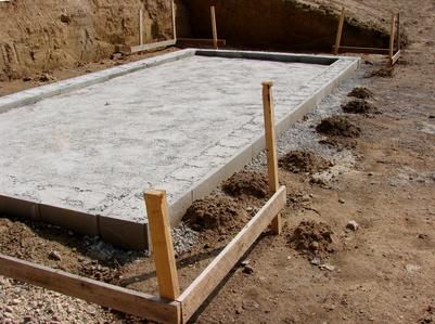 Bild 1: Fundament fürs Gartenhaus