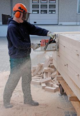Bild 1: Gefährliche Arbeiten an der Baustelle erfordern die richtigen Schutzmaßnahmen
