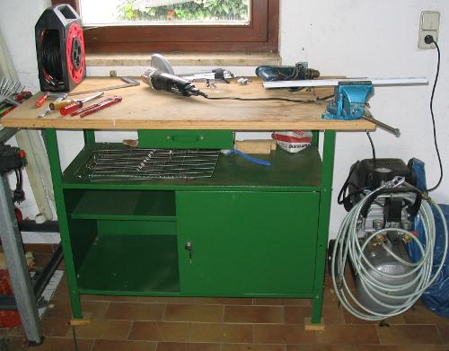 """""""Die kleine Werkbank in der Garage"""" - Nützlich für viele kleine handwerkliche Arbeiten"""