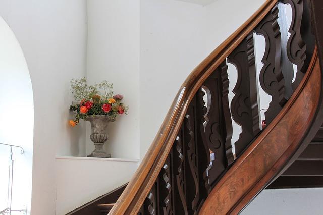 Treppengeländer bauen mit einem Geländer Bausatz: Mehr Sicherheit beim Treppensteigen