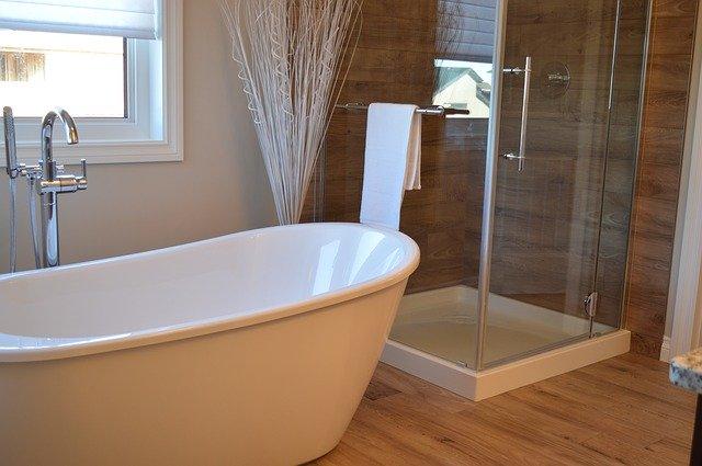 Die Frage aller Badezimmer-Fragen: Duschwanne oder Badewanne?